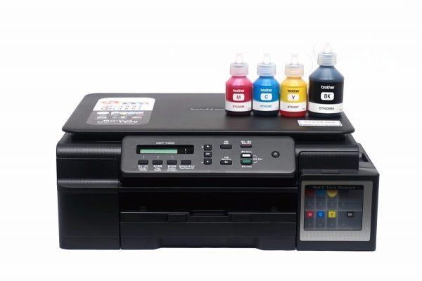 """BROTHER MULTIFUNCIONAL BROTHER DE INYECCION DE TINTA A COLOR """"La impresión en modo rápido de 27 ppm en negro y 10 ppm a color, en conjunto con la impresión ISO de 11 ipm en negro y 6 ipm a color, le ayudarán a aumentar la productividad. Imprima y escanee desde su dispositivo móvil y conecte el equipo a una red inalámbrica para imprimir sin la necesidad de utilizar una PC. El alimentador automático permite copiar y escanear documentos de hasta 20 páginas. La bandeja de carga frontal, con una capacidad máxima de 100 hojas, le ayudará a ahorrar espacio. Impresión/Escaneado Móvil Brother iPrint&Scan, Mopria™ y Google Cloud Print™ Resolución de Copias (máximo dpi) Hasta 1.200 x 2.400 dpi Método de Escaneo: CIS, Copias Múltiples:Hasta 99 hojas Windows®/Mac OS®: Sí, Tecnología de impresión: Inyección de tinta a color, Tipo de suministros: Sistema de 4 botellas de tinta Velocidad de impresión máx. en negro (ppm) 27 ppm (modo rápido) / 11 ipm (ISO/IEC 24734) Velocidad de impresión máx. a color (ppm) 10 ppm (modo rápido) / 6 ipm (ISO/IEC 24734) Resolución de impresión (dpi máx.) Hasta 6.000 x 1.200 dpi Impresión sin márgenes: Sí, Capacidad de entrada del papel‡ Hasta 100 hojas. Interfaces estándares USB 2.0 de alta velocidad, WIFI 802.11b/g/n inalámbrica. Ciclo mensual de trabajo‡ Hasta 2.500 páginas (máximo) Volumen de impresión mensual recomendado 50 a 1.000 páginas"""""""
